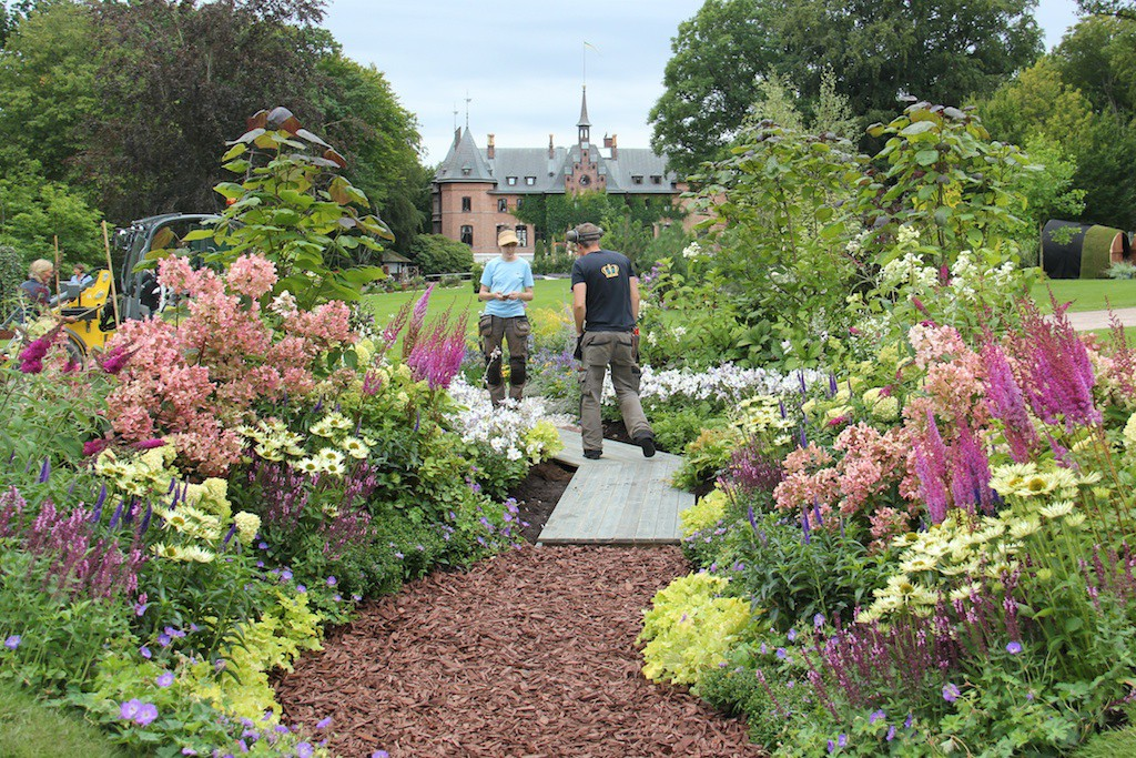 Wändels perenner finns med i idéträdgården #höstplanteramera, design av Sofieros trädgårdsdesigner Sara Bratt.